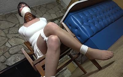 Trannies In White Lingerie 15