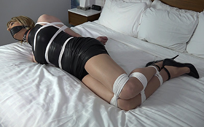 Double penetration shemale first time maid